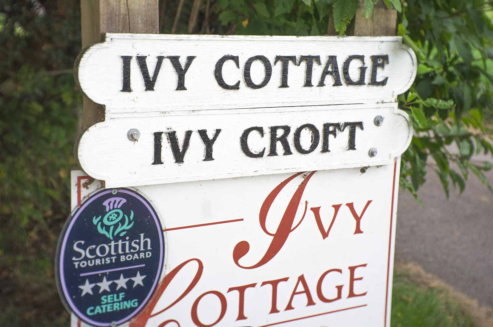 Ivy Cottage Strathpeffer sign